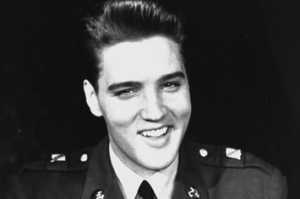 21-unbelieveable-candid-photographs-of-elvis-pres-1-23486-1395499212-0_big